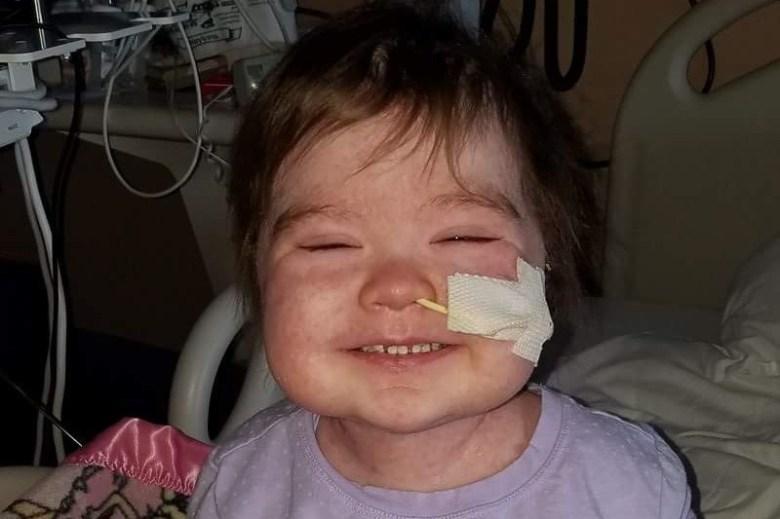 Depois De Dois Transplantes Esta Menina Continua a Cantar e a Sorrir e Dá-nos Uma grande Lição