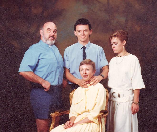 As Estranhas e Hilariantes Fotos de Família Dos Anos 80 (11)
