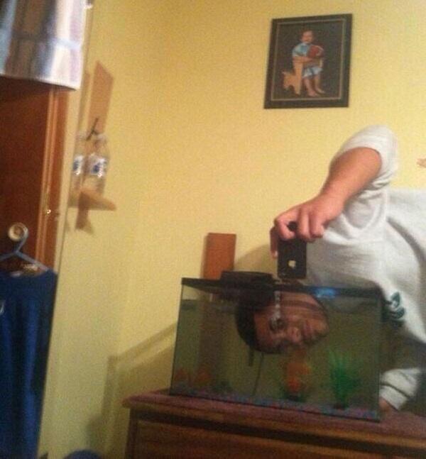 WTF! As Mais Estranhas, Assustadoras e Bizarras Selfies na Internet (11)