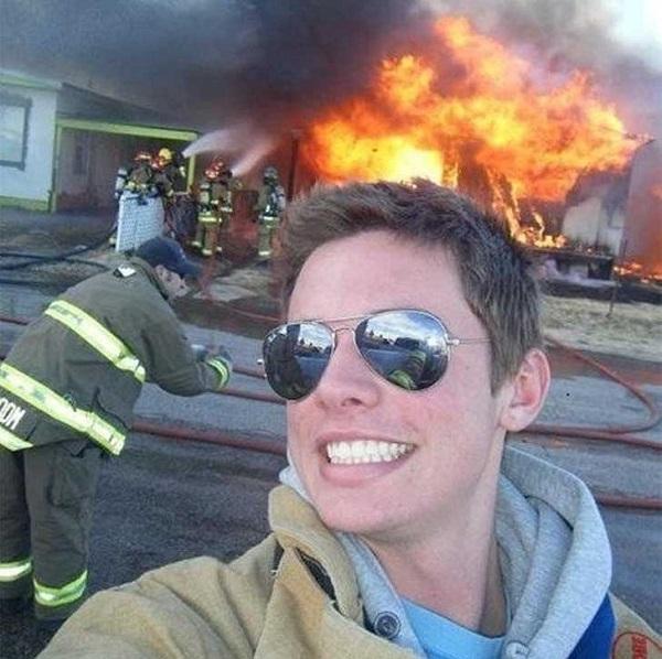 WTF! As Mais Estranhas, Assustadoras e Bizarras Selfies na Internet (15)